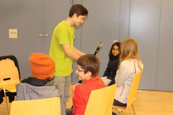 Noël Oertli stellt die Klarinette vor