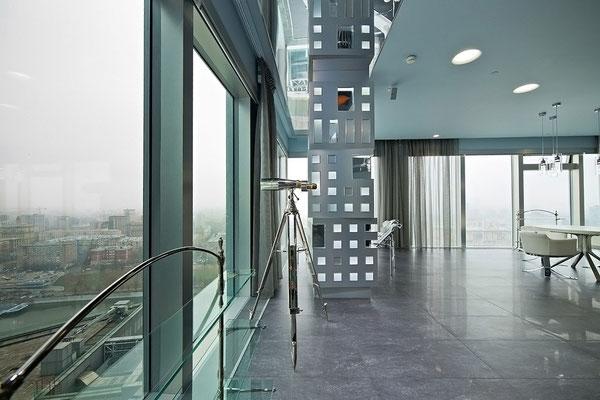 "ID 072 Башня ""Санкт-Петербург"" - 3х комнатный Хай-Тек апартамент в аренду."