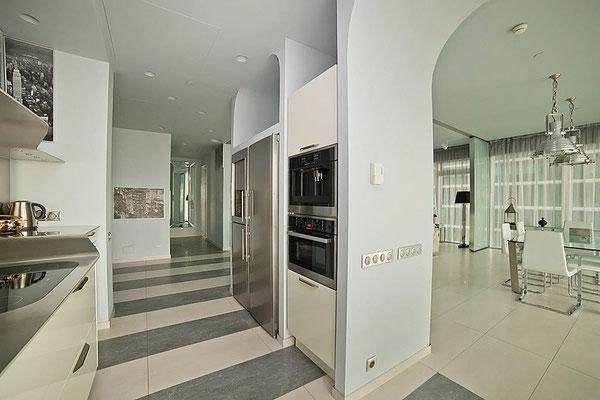"ID 071 Башня ""Москва"" - 3х комнатный Хай-Тек апартамент в аренду."