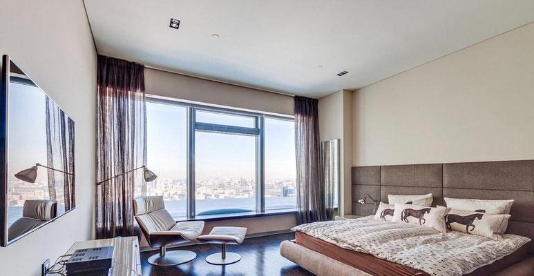 """ID 033 Башня """"Санкт-Петербург"""" - 3х комнатный апартамент в аренду на длительный срок!"""