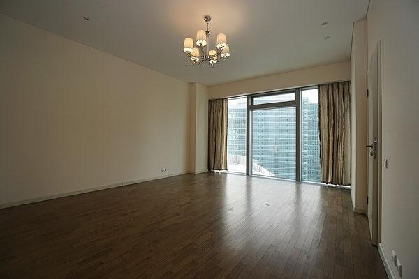 ID 046 Город Столиц - башня Санкт Петербург - трехкомнатный апартамент в аренду.