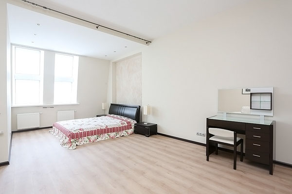 ID A356 Ленинский Проспект дом 92 корп. 1 -Трехкомнатная квартира в аренду.