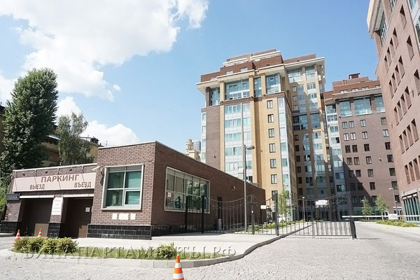 ID A389 Студенческая ул., дом 20 - трехкомнатная квартира в аренду.