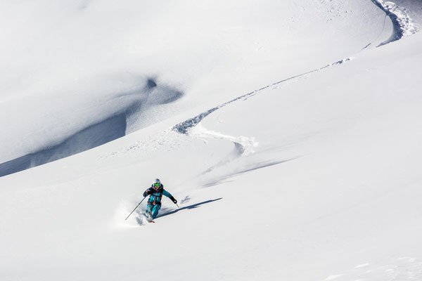 Powdern in Zillertal - Alpinschule Mountain Sports