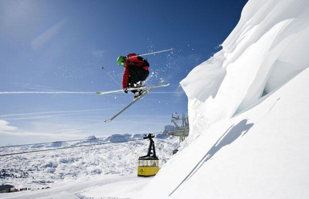 Backcountry Skiing Krippenstein (c) Outdoor Leadership
