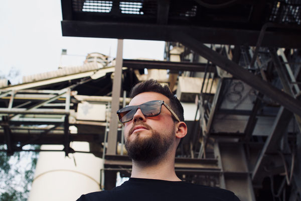 NOVS Sonnenbrille online Damen und Herren - Brille Bambus Holz eckig braun VOLUME