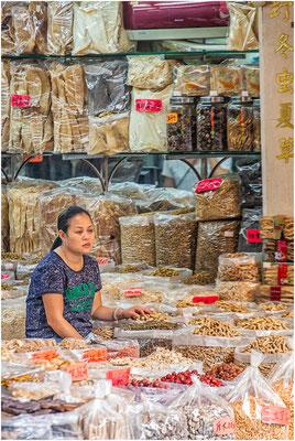 Guangzhou (Canton,  广州市). Marché Qingping (清平市场).