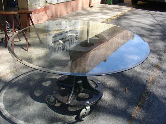Table ronde industrielle fonte et verre