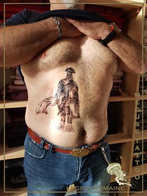 Tatouage d'un légionaire romain - Méduse Tattoo en Belgique