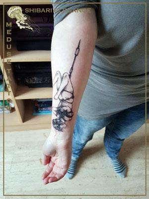 Sibari élégance - Méduse Tattoo en Belgique