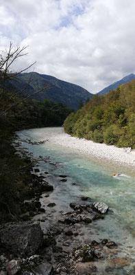 Soca zwischen Bovec und Srpenica