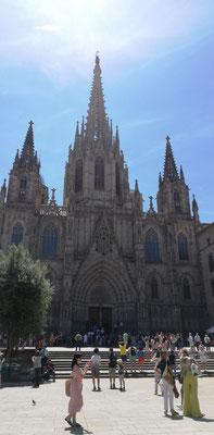 Cathedrale in gotischer Altstadt