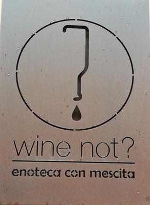 Vinothek in La Morra