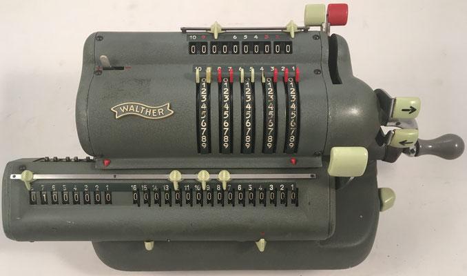 "WALTHER modelo WSR160, s/n 132126, hecha en Alemania por  ""Carl Walther, Waffenfabrik in Zella-Mehlis"" Niederstotzingen, año 1956, 33x15x14 cm"