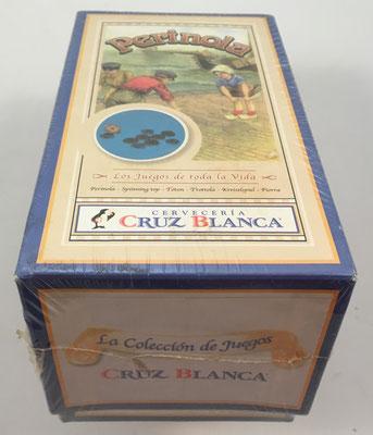 """Vista lateral de la caja del juego """"PERINOLA""""  regalo promocional de Cervecería Cruz Blanca"""
