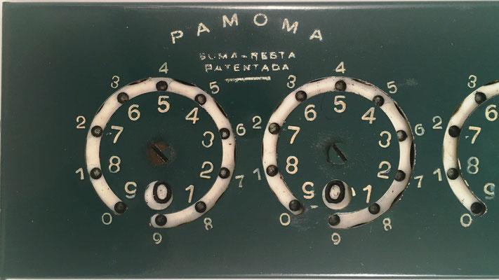 Detalle de la calculadora PAMOMA, parte izquierda