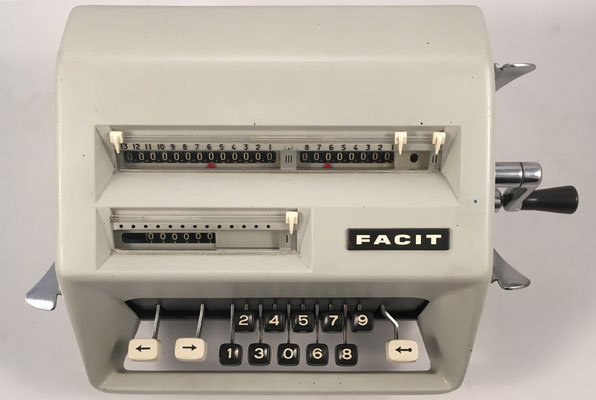 FACIT modelo C1-13, s/n 2378847, hecha en Suecia, año 1957, 31x21x15 cm