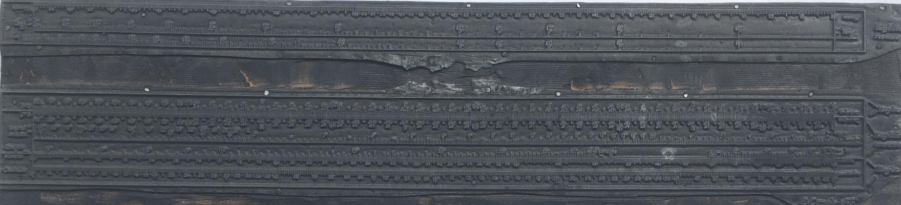 Cliché plano (matriz o plancha de imprenta) hecha metal para tinta de la Regla E. CONDE (modelo 1), volteada