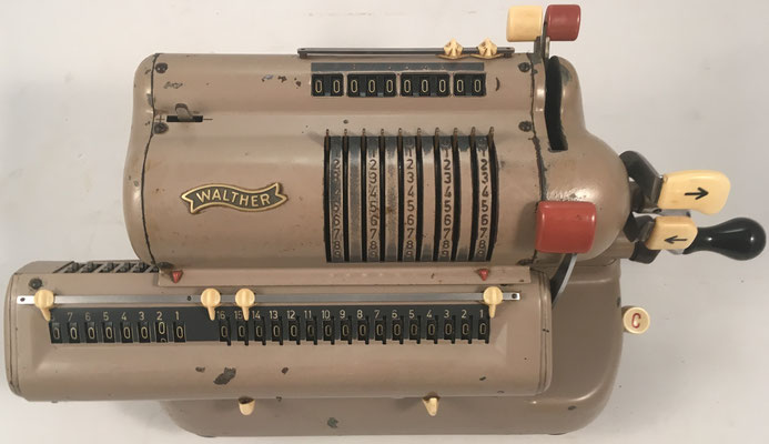 "WALTHER modelo WSR160, s/n 163949, hecha en Alemania por  ""Carl Walther, Waffenfabrik in Zella-Mehlis"" Niederstotzingen, año 1956, 33x15x14 cm"