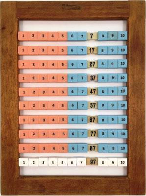 """Ábaco europeo, 10 filas de 10 """"bolas"""" cada una, en las barras horizontales aparecen los números enteros del 1 al 100 por decenas,  18x24 cm"""