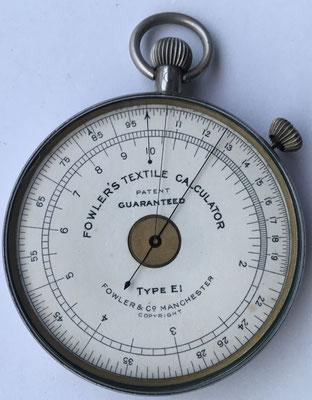 FOWLER'S TEXTILE CALCULATOR, tipo E1, fabricado por Fowler & Company en Manchester (England), año 1940, 6.5 cm diámetro,  (precio estimado: 150€)