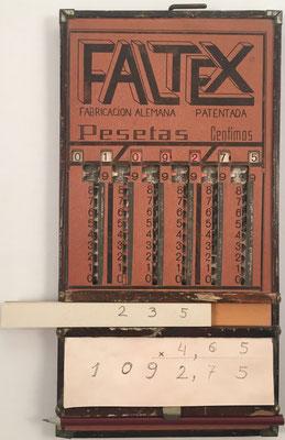 Ábaco de ranuras FALTEX, patentado en Alemania por Karl Kübler en 1920 ( no confundir con la patentada en España por Pedro del Moral Hidalgo en 1946, pat. ES172263), 15.5x30x25 cm