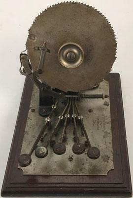 Sumadora CENTIGRAPH Adding Machine, s/n 1189, año 1891, 15x20x15 cm
