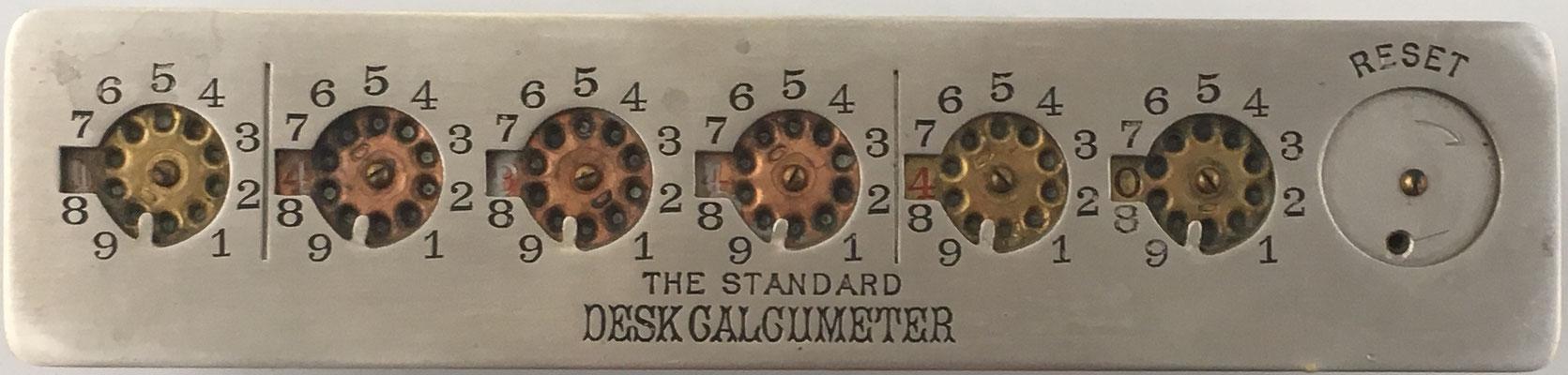 The Standard DESK CALCUMETER, fabricado por Herbert North Morse (Trenton, Nueva Jersey, EE. UU.), con mecanismo de puesta a cero, s/n 94/67763, año 1901, 22x5X2 cm