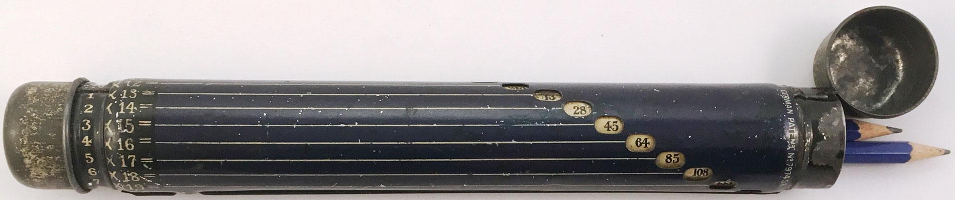 Patente británica nº 167699/21 y alemana nº 797458 del estuche Darnley, 23 cm largo x 3 cm diámetro