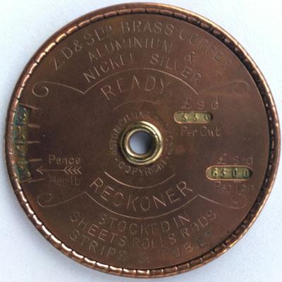 Regla  READY RECKONER-IMPERIAL STANDARD para calibrar cables de metal (latón, cobre, aluminio y  níquel), hacia 1910, 5.5 cm diámetro,  (precio estimado: 50€)