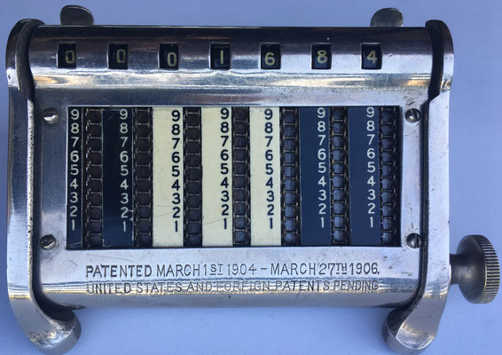 GOLDEN GEM en su soporte, s/n 17918B, fabricado por Automatic Adding Machine Co. (New York, USA), año 1906, 12x8x2 cm
