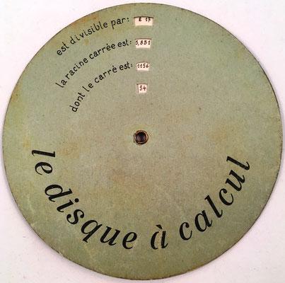 Reverso: LE DISQUE À CALCUL, número, cuadrado, raíz cuadrada y divisores