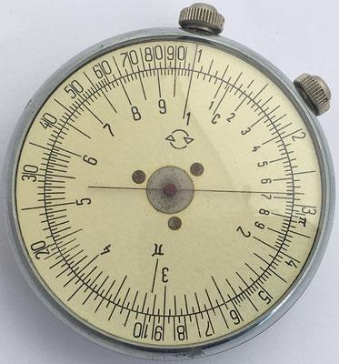 Soviet KL-1 (КЛ-1) slide rule, fabricada por Tochmash, año 1968, 5 cm diámetro