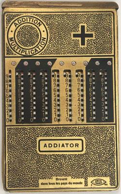Ábaco de ranuras ADDIATOR, fabricado por los establecimientos Le Girondin-Unis (Unis =Union Nationale Inter Syndicale), UNIS France 2-193, s/n F-130851, año 1926, 10.5x17 cm