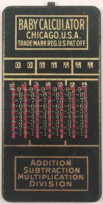 Ábaco de ranuras BABY, fabricado por Baby Calculator Sales Co. en Chicago (USA), año 1920, 7.5x15 cm