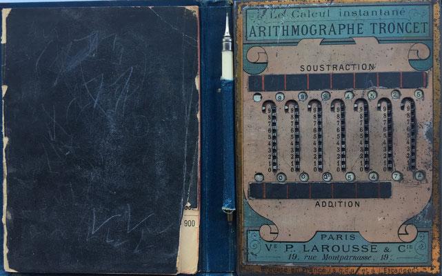 Ábaco de ranuras o contóstilo TRONCET, con mecanismo de llevada o acarreo, año 1889, 10x14 cm