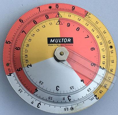 Regla MULTOR hecha en Alemania Occidental, hacia 1960, 8,5 cm diámetro