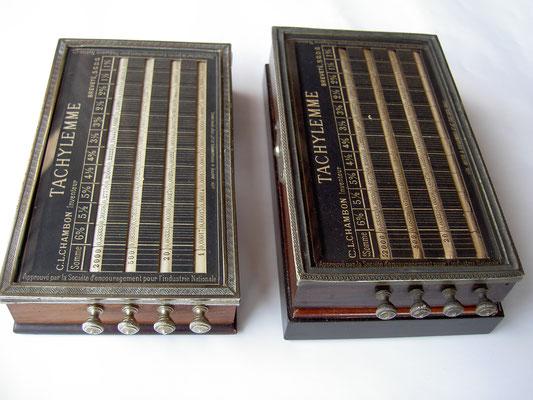 Dos versiones de la máquina de interés bancario (año de 360 días) TACHYLEMME, patentada en 1876 por el parisino Casimir-Louis Chambon. Fue producida y vendida desde 1880 por su compañía, Chambon et Baye