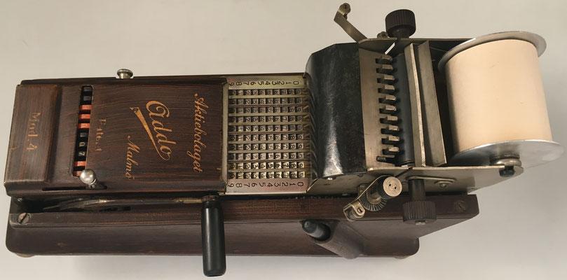 Ábaco de cadena ADDO modelo 4, s/n 2621, fabricado por A.B. Addo en Malmö (Suecia), año 1924, 14x34x22 cm