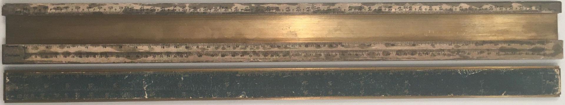 Prototipo hecho en metal para la Primitiva Regla Topográfica española marca CONDE (modelo 1), reverso reglilla