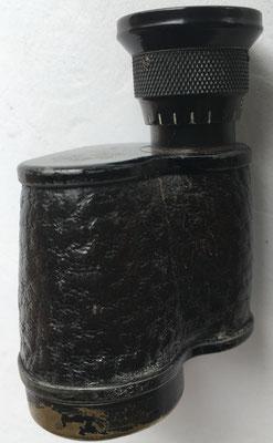 Detalle del prismático monocular JENA