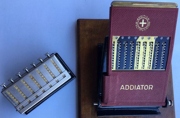 """Combinación separada del ábaco multiplicativo """"MULDIVI"""" con el ábaco de ranuras """"ADDIATOR UNIS-France"""", para facilitar multiplicaciones y divisiones complejas"""