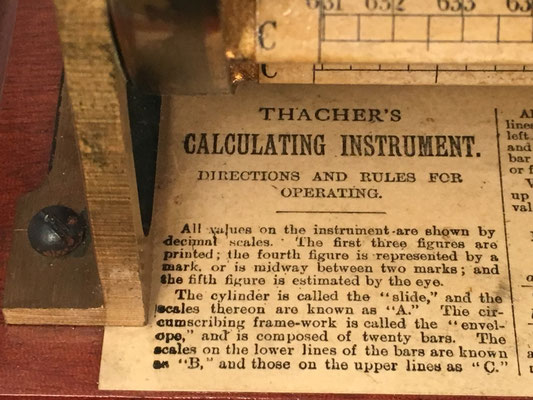 THACHER's Calculating Instrument, instrucciones en la base de la calculadora