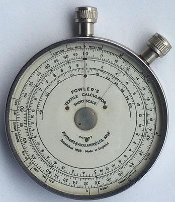 FOWLER'S TEXTILE CALCULATOR, short scale, fabricado por Fowler & Company en Manchester (England), 6.5 cm diámetro,  (precio estimado: 150€)