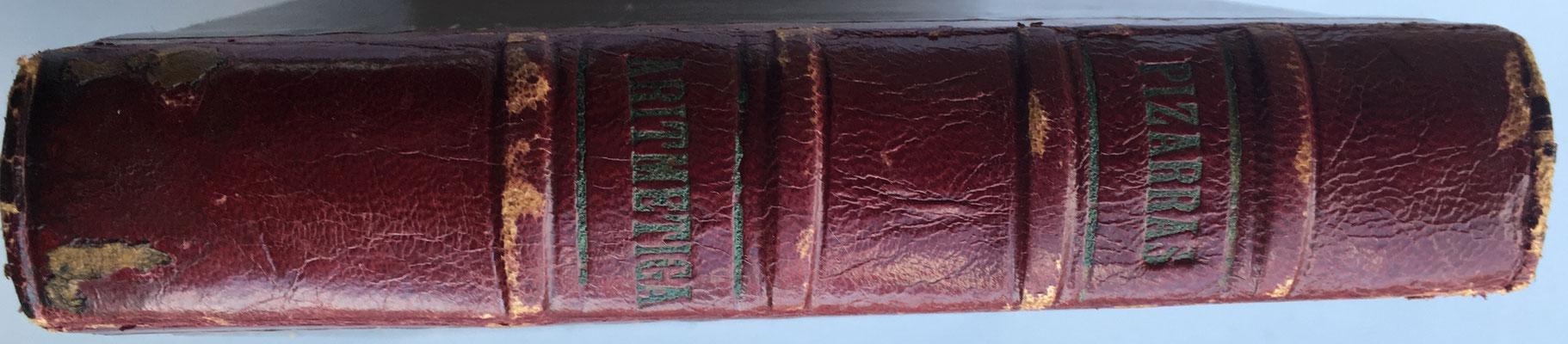 El libro se titula PIZARRAS y contiene dos tomos diferentes: uno de 1914 y otro de 1918
