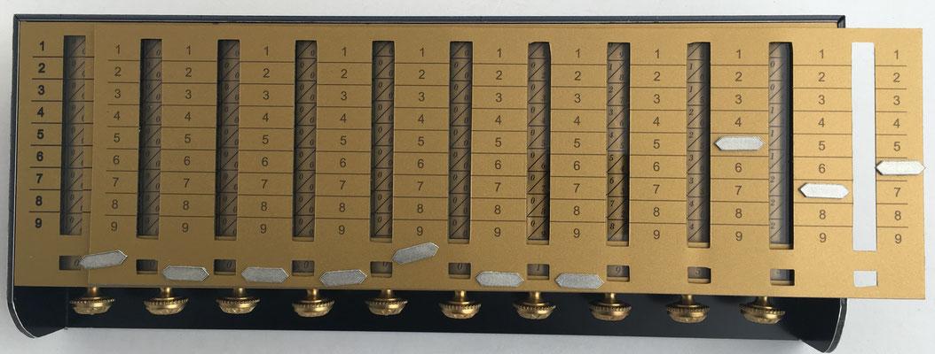 Calculadora SCHOTT  con mecanismo para multiplicaciones de varios dígitos