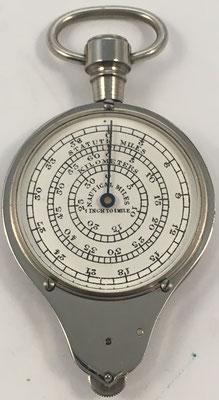 Reverso del Opisómetro HC (Henry Chatelain), pulgadas a millas naúticas