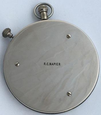 """Reverso de la FOWLER'S, hacia 1930, tiene grabado: """"R.C. NAPIER"""""""