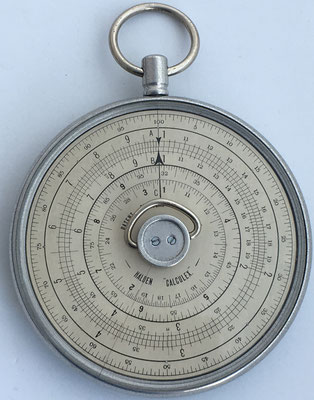 HALDEN CALCULEX modelo escritorio, fabricado por J. Halden & Company LTD en Manchester (England), hacia 1910, 12 cm diámetro,