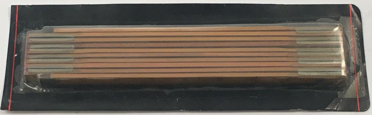 Metro (2 metros) de madera plegable marca MM en su funda de plástico